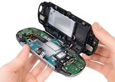 Sony PlayStation Vita teardown reveals the guts of the high-end portable gaming device Ps Vita Games, New Video Games, Laptop Repair, Old Games, Electronic Devices, Video Game Console, Nintendo Consoles, Sony Playstations, Gaming