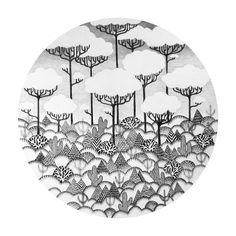 Marina Muun est une illustratrice née en Bulgarie actuellement basée au Royaume-Uni.
