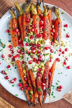 Recipe // Carrots + Garlic + Parsley + Pomegranate + Lemon Juice + Maple Syrup + Tahini + White Miso Paste Oils & Vinegars + Oil + Pistachios + Water # Food and Drink meals dinners Maple Roasted Carrots in Tahini Sauce with Pomegranate and Pistachios Vegetable Recipes, Vegetarian Recipes, Healthy Recipes, Vegetarian Christmas Recipes, Vegetarian Starters, Hanukkah Recipes, Christmas Salad Recipes, Xmas Recipes, Healthy Chef