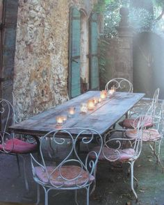 I can imagine having a huge pasta party here eating bread and drinking wine.