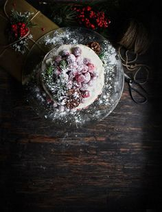 Lebkuchen-Schicht-Kuchen mit Frischkäse-Bereifen und Gezuckerte Cranberries