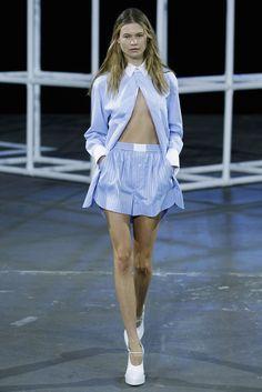 Männerhemden als Oberbekleidung? Kann auch shcick sein.. :-)