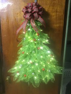 Lit Christmas Tree Wreath You are in the right place about DIY Wreath welcome Here we offer you the Mesh Christmas Tree, Diy Christmas Decorations For Home, Christmas Wreaths To Make, Holiday Wreaths, Christmas Holidays, Christmas Crafts, Xmas Tree, Christmas Ideas, Winter Wreaths