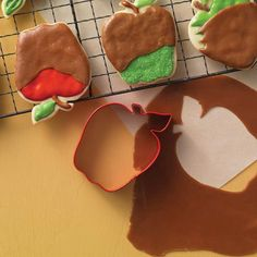 Red Apple Polyresin Cookie Cutter - 4""