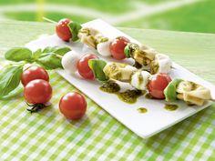 Tortellini-Spieße mit Pesto