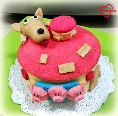 Loving Creations for You: 'Three Little Pigs' Neopolitan Chiffon Cake