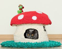 PATTERN: Into the Woodland House, pet bed, crochet cat cave, t-shirt yarn
