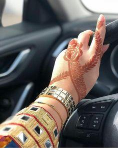 Image may contain: one or more people Khafif Mehndi Design, Mehndi Designs Book, Stylish Mehndi Designs, Mehndi Design Pictures, Mehndi Designs For Girls, Mehndi Designs For Fingers, Latest Mehndi Designs, Bridal Mehndi Designs, Mehndi Images