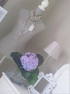 http://trocitodeluna.blogspot.com.es/  Un toque romántico
