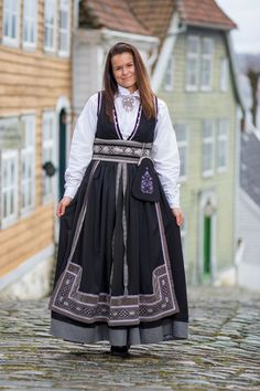 Sorting, That Look, Vest, Costumes, Folklore, Jackets, Outfits, Inspiration, Dresses