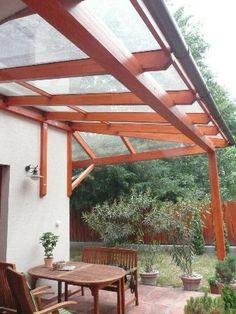 Fából épített üvegezett terasz