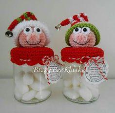. Crochet Christmas Decorations, Christmas Crochet Patterns, Holiday Crochet, Christmas Knitting, Crochet Box, Crochet Dolls, Christmas Toys, Christmas Ornaments, Crochet Jar Covers