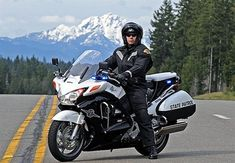 Washington Troopers Get Honda ST1300 for Highway Enforcement - News - POLICE Magazine