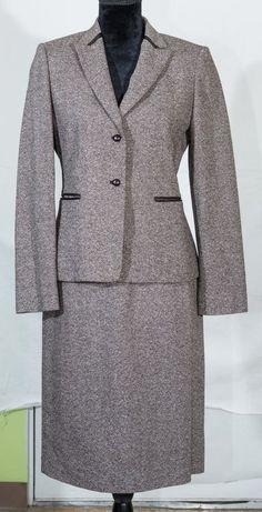 Studio Tahari women skirt suit tweed career wardrobe wool bland size 6 #Tahari #SkirtSuit