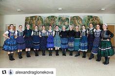 Žienky zo Zoboru #FSZOBOR to naozaj #praveslovenske od @alexandraglonekova ... #slovensko #zobor #Tekov #slovakia #folkdesign #folklore #folklor #folk #fashion #ornaments #traditions #traditional #kroje #music #folkmusic