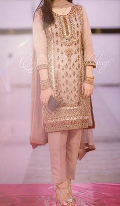 At a Mehndi/ baraat, - Pakistani dresses Pakistani Fashion Party Wear, Pakistani Wedding Outfits, Pakistani Wedding Dresses, Dress Indian Style, Indian Dresses, Indian Outfits, Simple Pakistani Dresses, Pakistani Dress Design, Wedding Dresses For Girls