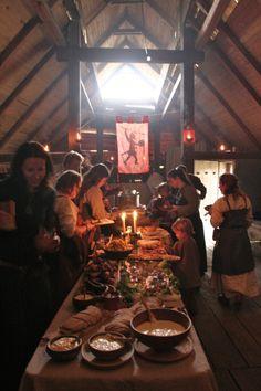 Omdat Harland het vooral moet hebben van de landbouw, wordt rond de oogsttijd altijd een groot feest gehouden. Dit gaat vaak gepaard met enkele dagen overvloedig veel eten en drank, waarna het harde 'gewone' leven weer verder gaat.