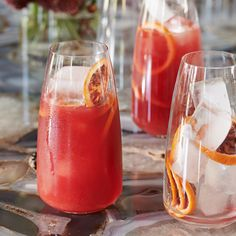 Brunch Cocktail Actress Ali Larter spiffs up this classic bittersweet cocktail with fresh blood orange juice, a hit of Aperol and a jewel-toned orange wheel.