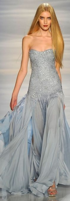 32 Sublime Gowns From New York Fashion Week - Pamella Roland Fall 2012 Vestidos Red Carpet, Beautiful Gowns, Beautiful Outfits, Gorgeous Gorgeous, Absolutely Gorgeous, Beautiful Places, Look Fashion, Runway Fashion, Fashion Details