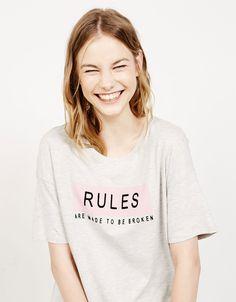 Camiseta estampanda texto - Camisetas - Bershka España