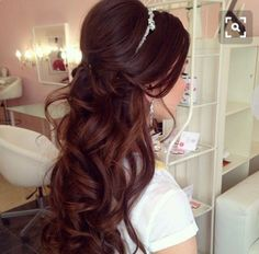 Half up, half down - with tiara Quince Hairstyles, Bride Hairstyles, Debut Hairstyles, Sweet 16 Hairstyles, Wedding Tiara Hairstyles, Quinceanera Hairstyles, Hairstyle Ideas, Fancy Hairstyles, Curled Hairstyles