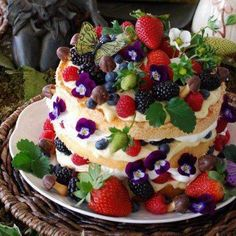Fairy Cake ~~ A cake fairies can appreciate~ an angel food cake, cut in thirds, layered with lemon curd, whipped cream, berries & chocolate mushrooms :-) Cupcakes, Cupcake Cakes, Food Cakes, Beautiful Cakes, Amazing Cakes, Angel Food Cake, Strudel, Fancy Cakes, Creative Cakes