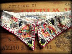 Folk Flowers Beaded Applique Upcycled Cotton par OneManTrash, $49.00