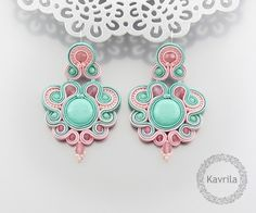 Desing mint soutache Plus Soutache Pendant, Soutache Earrings, Beaded Earrings, Beaded Jewelry, Polymer Clay Charms, Polymer Clay Jewelry, Handmade Necklaces, Handmade Jewelry, Soutache Tutorial