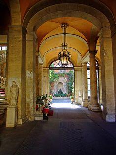 Rome    Interieur près de la place d'Espagne (piazza di spagna)