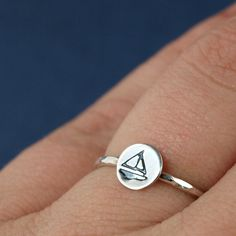 Little Sterling Silver Sailboat Ring. LOVE LOVE LOVE WANT!!