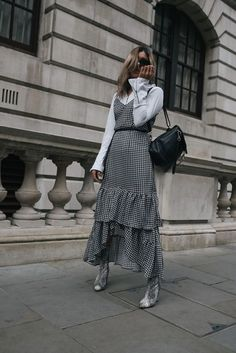 Fall Layered Outfits White Button Up Button Down Gingham Dress Snakeskin Booties. - Fall Layered Outfits White Button Up Button Down Gingham Dress Snakeskin Booties Street Style - Style Année 70, Style Retro, Fall Dresses, Fall Outfits, Layering Fashion Outfits, Fall Layered Outfits, Winter Layering Outfits, Layered Dresses, Layering Clothes