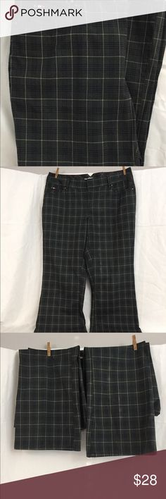 "Tommy Hilfiger Black Plaid Denim Jeans Size 18 Tommy Hilfiger Women's Jeans.  Black & Gray Plaid denim.  Tagged size 18 Waist- 20"" Inseam- 32"" Tommy Hilfiger Pants Boot Cut & Flare"
