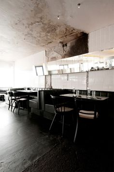 Kodbyens Fiskebaren Seafood Restaurant By SPACE Copenhagen – Design. Bistro Restaurant, Cool Restaurant, Restaurant Design, Restaurant Interiors, Seafood Restaurant, Design Hotel, Interior Design Inspiration, Home Interior Design, Interior Architecture