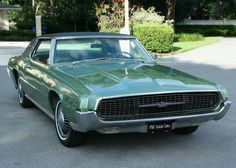 1967 Ford Thunderbird Coupe Maintenance/restoration of old/vintage vehicles: the… Green Motorcycle, Futuristic Motorcycle, Cars Usa, Old School Cars, Hot Rod Trucks, Ford Thunderbird, Sweet Cars, Car Ford, Amazing Cars