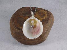 Ketten lang - Muschelkette mit Perlen - ein Designerstück von Wildfee bei DaWanda