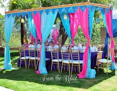 This Princess Jasmine Arabian Nights Birthday Party is in love with colorful Indian & Moroccan decor. A great party to draw inspiration! Jasmine Birthday Cake, Aladdin Birthday Party, Aladdin Party, 6th Birthday Parties, Birthday Ideas, Henna Tattoos, Princess Jasmine Cake, Jasmin Party, Shisha Lounge