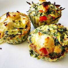 Muffiny jajeczne z cukinią, szpinakiem i papryką. | Mamy ruszamy Avocado Egg, Avocado Toast, Baked Potato, Quiche, Casserole, Potatoes, Baking, Breakfast, Ethnic Recipes