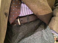 El cinto –cinturón- es el complemento para sujetar los pantalones. Por muy  entallados que nos queden bff36586fba9