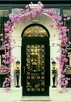 Spring blooming at Harry Winston's in London, England. - photographer Lost in London