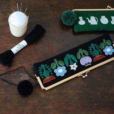 角田商店さんの展示、いよいよ明日が最終日。まだの方はこの機会に是非。 展示場でもキットが売っていますが、リネンバードさんのオンラインショップでもキットが複数販売中なのです。 (この写真のキットはありませんが、、、) . . . #刺繍とがま口 #角田商店 #リネンバード #embroidery #刺繍 #刺しゅう #needlework #linen #stitch #handembroidery #stitching #handstitched #broderie #bordado #stickerei #ricamo #刺绣品 #자수