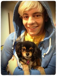 ross lynch puppy   Ross et Pixie.