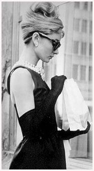 【Audrey Hepburn – A Style Icon】Audrey Hepburn's elegant style and elfin beauty are synonymous with Century Hollywood glamour. Style Audrey Hepburn, Audrey Hepburn Quotes, Katharine Hepburn, Audrey Hepburn Breakfast At Tiffanys, Breakfast With Tiffany, Audrey Hepburn Givenchy, Audrey Hepburn Poster, Holly Golightly, Citations Audrey Hepburn