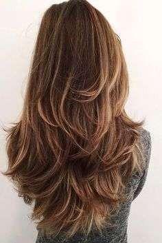 Taglio scalato per capelli lunghi per la primavera 2017