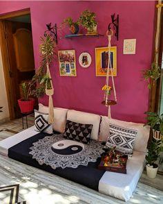 Indian Room Decor, Indian Bedroom, Living Room Designs, Living Room Decor, Bedroom Decor, Natural Home Decor, Easy Home Decor, Sofa Design, Furniture Design