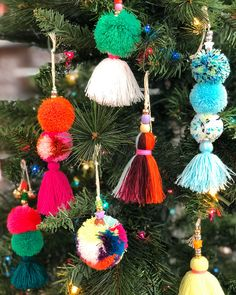 Trim your tree with pom pom and tassel ornaments created with a playful assortment of beads, bells, and shiny string! The perfect Christmas holiday craft for the whole family. Christmas Pom Pom, Diy Christmas Ornaments, Holiday Crafts, Christmas Decorations, Christmas Holiday, Family Christmas, Diy Yarn Ornaments, Pom Pom Decorations, Christmas Lights
