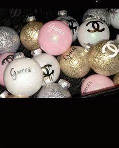 Creative Christmas Trees, Diy Christmas Ornaments, Christmas Holidays, Christmas Wreaths, Christmas Bulbs, Merry Christmas, Christmas Decorations, Xmas, Boujee Aesthetic