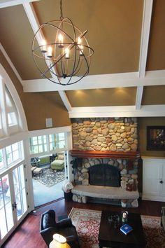 love the curved window and ceiling treatment