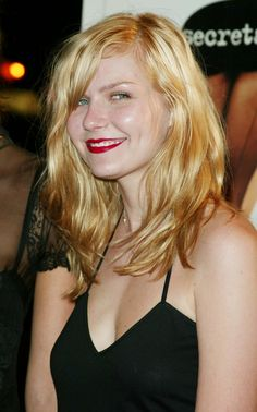 "Kirsten Dunst,, I don't know about you but she sure makes me,,{""Tingle 💦 💦""} ! Beautiful Celebrities, Beautiful Actresses, Beautiful Women, Taurus, Interview With The Vampire, Actrices Hollywood, Kirsten Dunst, Female Actresses, Kate Winslet"