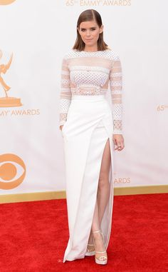 Kate Mara (House of Cards) in J. Mendel on the 2013 Emmys red carpet