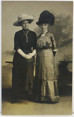 Antique RPPC Real PHOTO Postcard ~ LADIES wearing Large HATS Beautiful dresses